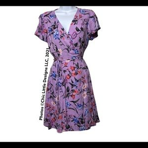 Lulu's Floral Patterned Short Wrap Dress with Flutter Sleeve XS